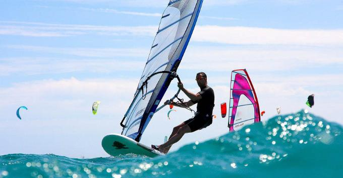 Although the windiest season lasts from April to September, at Fuerteventura you can practice these sports all year round.