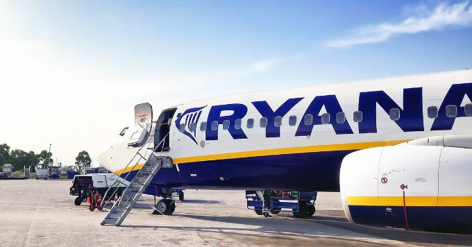 Ryanair is said to daily cancel 40 to 50 flights by the end of October 2017.